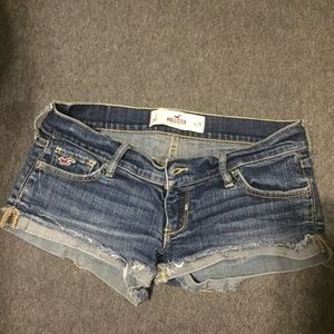 Hollister Low Rise Jean Short Shorts Size 1